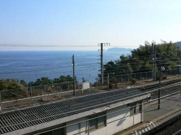 JR東海道本線根府川駅