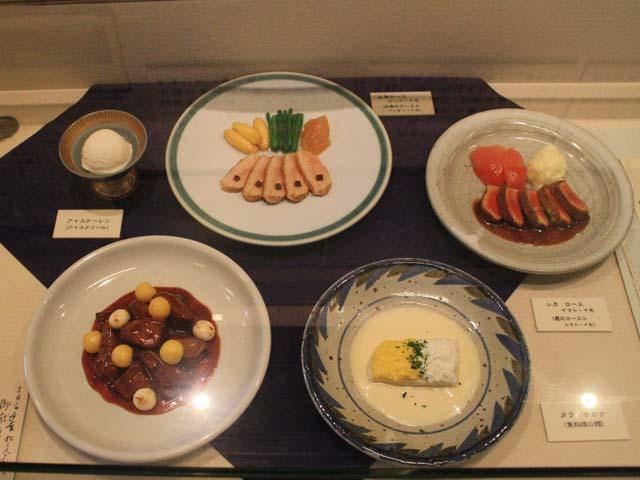 晩餐会料理の再現展示@札幌市時計台