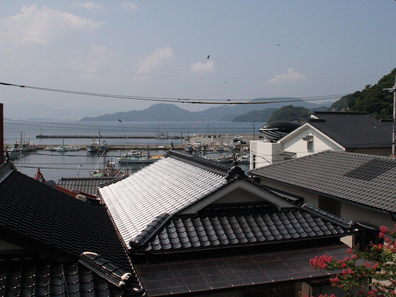 青海島鯨墓